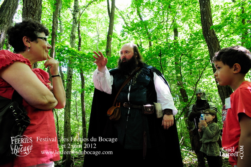 Tortequesne le conteur dans la forêt des légendes